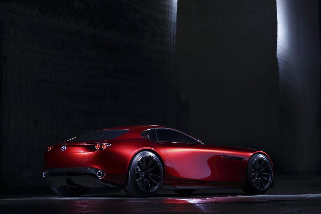 спортивный желтый автомобиль Mazda RX-Vision концепт  № 727273  скачать